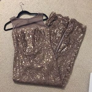 Gorgeous Tadashi Shoji bronze sequin lace gown